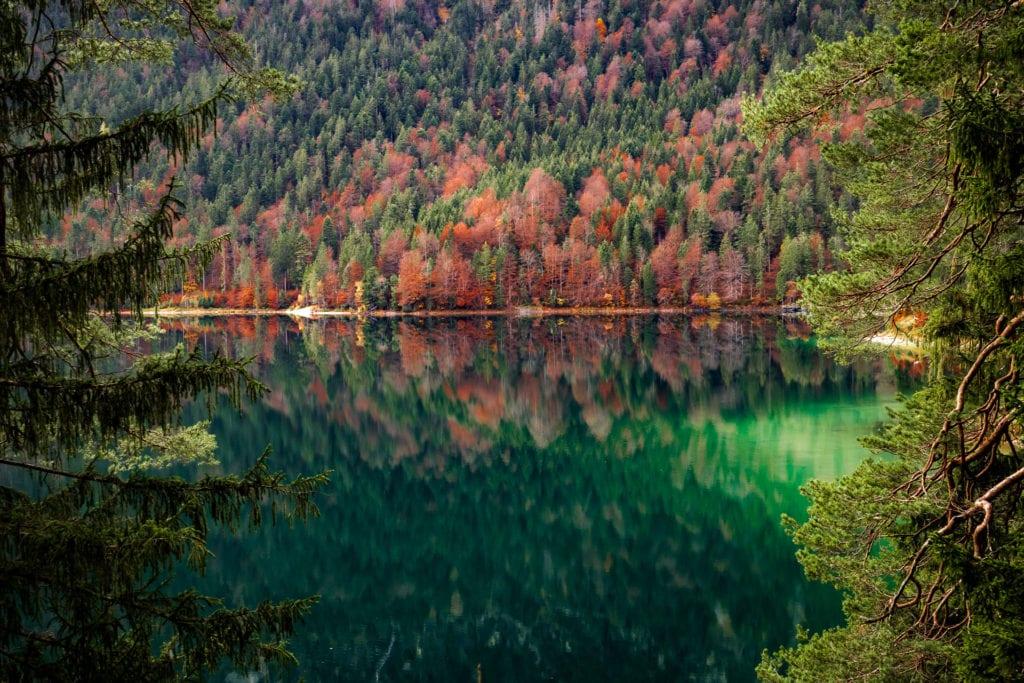 Der Eibsee im Herbst
